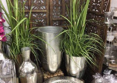 Verschiedenen Vasen aus Stahl